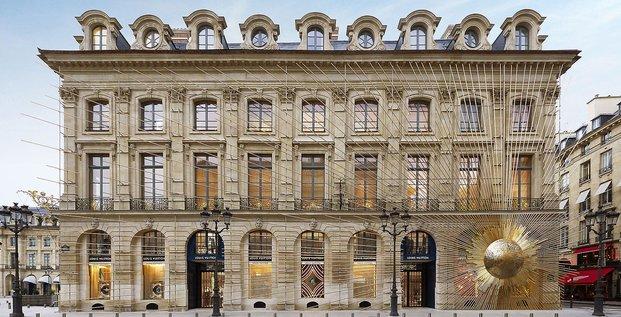 LVMH, Louis Vuitton, mode-maroquinerie, place Vendôme, boutique, luxe, distribution, Dior Couture, Fendi,