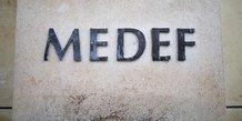 Medef: saubot invite roux de bezieux a se rallier a sa candidature
