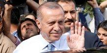 Les premiers resultats en turquie placent erdogan largement devant