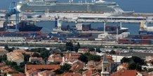 Marseille, port, paquebot, croisière, croisiéristes, tourisme, touristes, armateur, autorités portuaires, quartiers nord, pollution atmosphérique, fioul lourd,