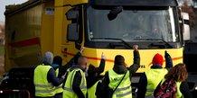 Le gouvernement denonce une derive des gilets jaunes