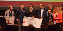 Les trois fondateurs de Pousse Pousse aux côtés de l'entrepreneur Emmanuel Stern, président du Prix Alfred Sauvy.