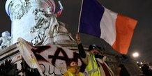 gilets jaunes: la crise ouvre la boite a fantasmes politiques