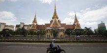 Cambodge: l'opposition autorisee a demander la reprise de ses activites