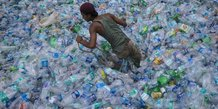 Déchets, plastique, bouteille, environnement, recyclage, eau,