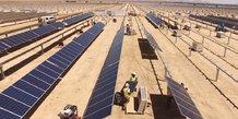 Panneaux solaires énergie désert