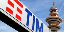 Telecom italia s'apprete a nommer president un ex-dirigeant de la banque d'italie