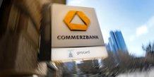 Commerzbank s'attend a des benefices en baisse cette annee