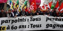 L'executif appelle a la fin de la greve contre les retraites