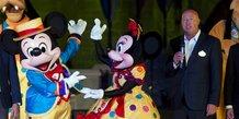 Bob Chapek (à dr.) remplace Bob Iger à la tête de Disney