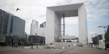 Paris-La Défense, quartier d'affaires, Puteaux, Grande Arche, confinement,