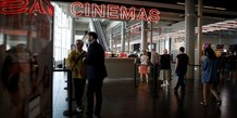 Cinemas et piscines donnent le coup d'envoi de la troisieme phase de deconfinement