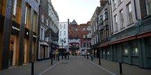 Coronavirus: l'irlande ferme pubs et restaurants face a une hausse des cas chez les personnes agees