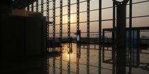 Le vietnam suspend les vols internationaux vers hanoi