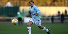 France: macron buteur sur penalty lors d'un match de football de charite