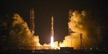 Un lanceur russe proton se serait ecrase en siberie