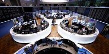 Les bourses europeennes prudentes avant le vote francais, l'euro baisse