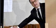 François Hollande votera Emmanuel Macron pour contrer le Front national.