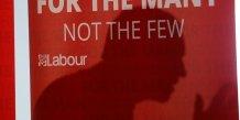 Les ecarts se resserrent en vue des legislatives britanniques
