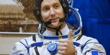 L'astronaute francais thomas pesquet de retour sur terre