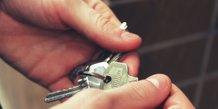 Immobilier. Une paire de clé dans les mains d'un acquéreur, potentiel primo-accédant