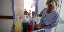 soin aide soignante infirmière hopital contrats aidés