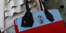 Le marche mondial du luxe revu en hausse