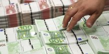 320 entreprises concernees par la surtaxe d'impot sur le revenue