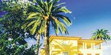 Villa, Côte d'Azur, immobilier, PACA, fiscalité, ISF, IFI, luxe, clientèle britannique, real estate, immeuble, logement, appartement, palmier, Macron, Brexit,