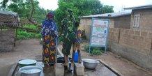 femmes enfants rural eau potable campagne