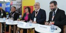 Carole Delga (Région Occitanie) et Jean-Marc Bouchet (Quadran), lors de la signature entre MPEI et EolMed le 12 décembre, sur le salon Energaïa