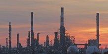 Total parle de perte importante pour la greve des raffineries